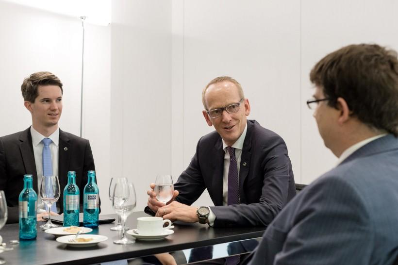 Eventfotos IAA Frankfurt am Main Standführung mit Karl-Thomas Neumann (KTN) Adam Opel AG Rüsselsheim