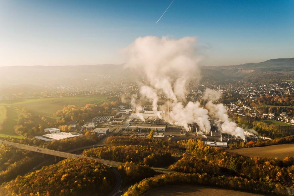 Luftbild Kartonfabrik Weig in Mayen
