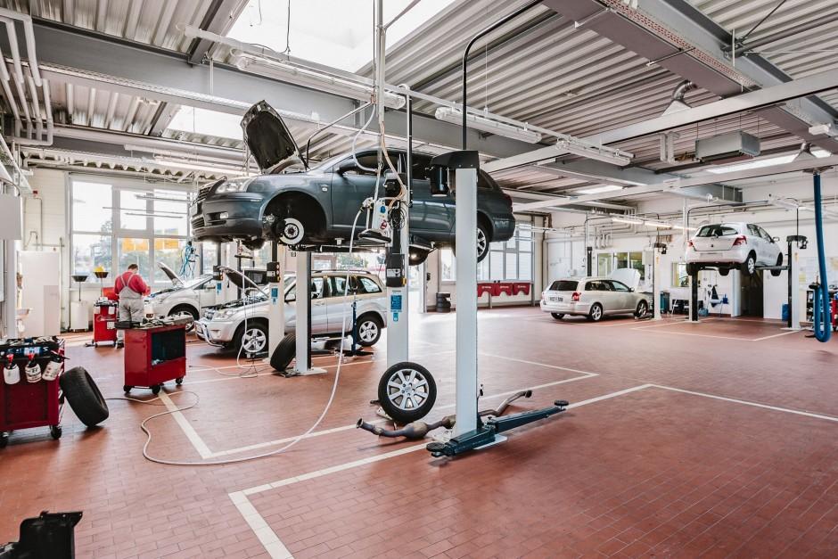 Gebäudefotos Toyota Autohaus Nix Eschborn