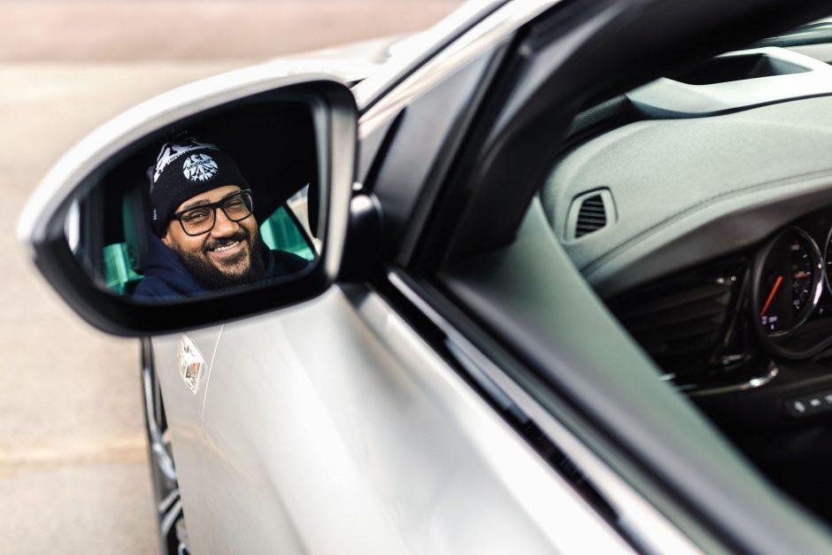 Moses Pelham fährt Opel